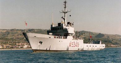 Брод либијске националне армије приморао је италијански брод да промени правац и крене ка Бенгазију!